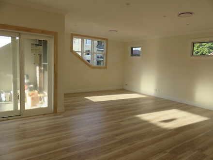 House - 43A Llandaff Street...