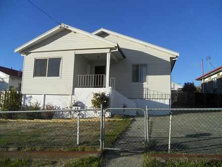 House - 68 Renfrew Circle, ...