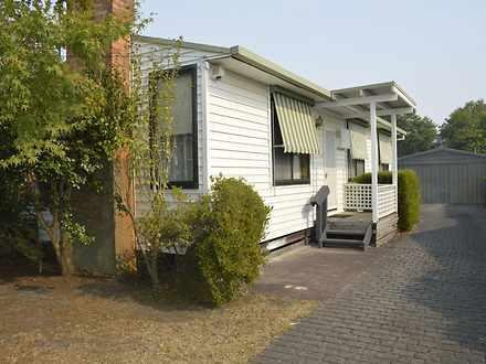 House - 11 Ellinbank Street...