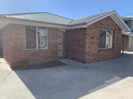 House - 4/44 Raynors Road, ...