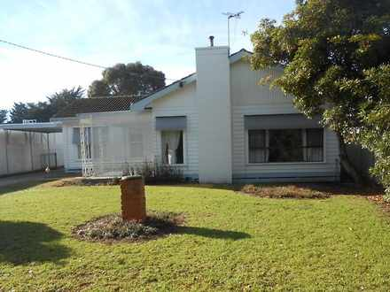 House - 60 Princes Highway,...