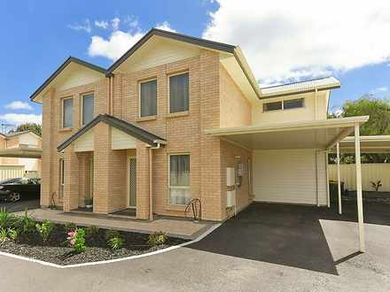 House - 4/20 Hillier Road, ...