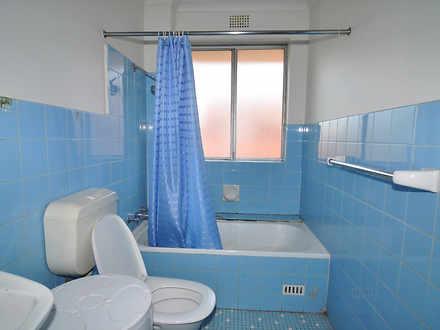 9211025065377de6f9517382 14325 bathroom 1587442429 thumbnail