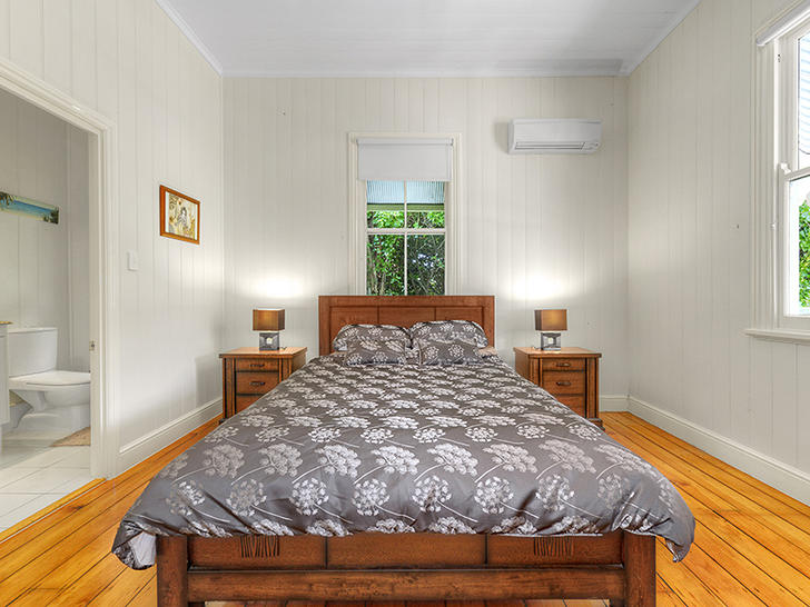B86a165f7eed76894048e7aa 10041 bedroomupstairssecond 1556860496 primary