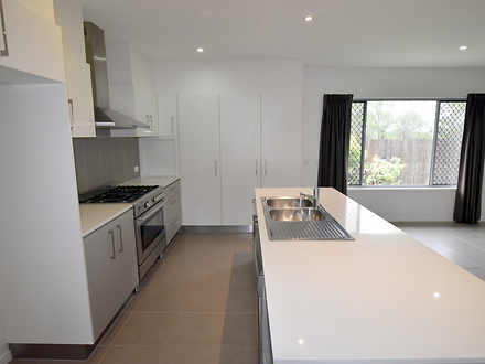 B84de046bf07c5f7c99031cd 9019 66iris kitchen1 1589849011 thumbnail