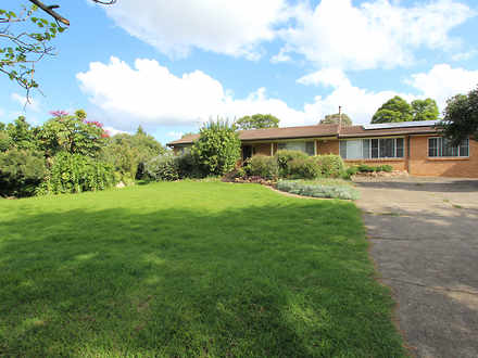 House - 25A Ridge Square, L...