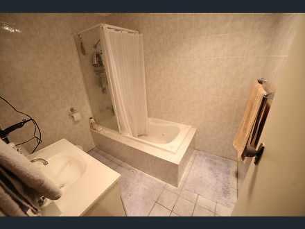 A1e0a58e831b59fcaca7760d 25670 bathroom 1557897738 thumbnail