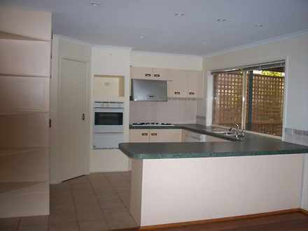 House - 31 Airedale Way, Ro...