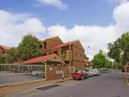 Unit - 19/12-26 Willcox Str...
