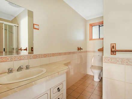 558c9a843eac954fa81d54df 29907 bathroom 1590135322 thumbnail