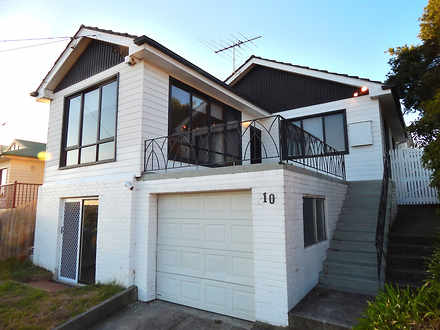 House - 10 Devereaux Street...