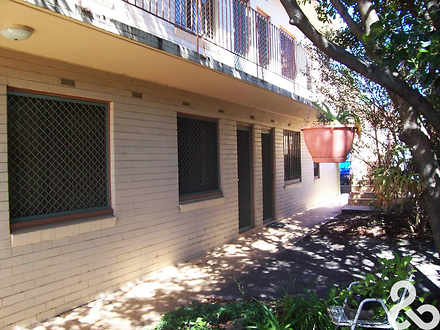 Apartment - 2/10 Swallow St...