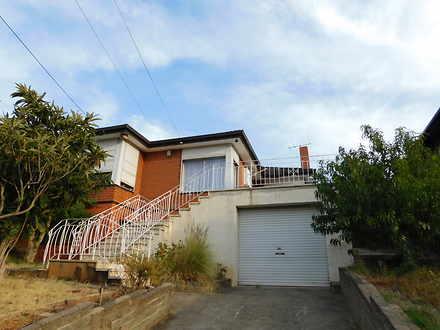 House - 14 El Reno Crescent...