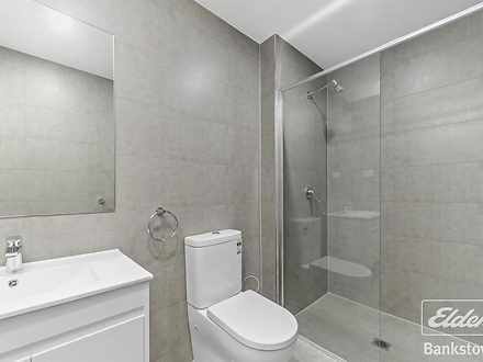 Aa95c954a101c9417178292d 8353 bathroom1 1 1585117408 thumbnail
