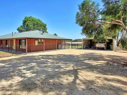House - 423 Gratwick Road, ...