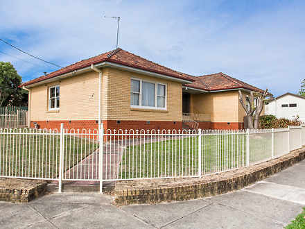 House - 1102 Ligar Street, ...