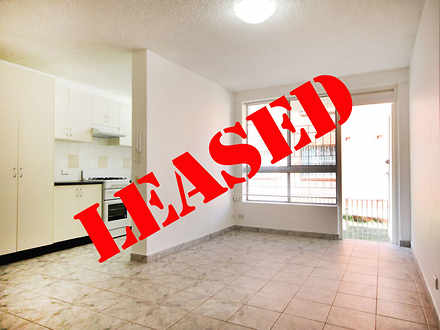 Apartment - 3/12 Barber Ave...