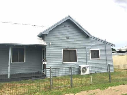 House - VILLA 3 94 Swift St...
