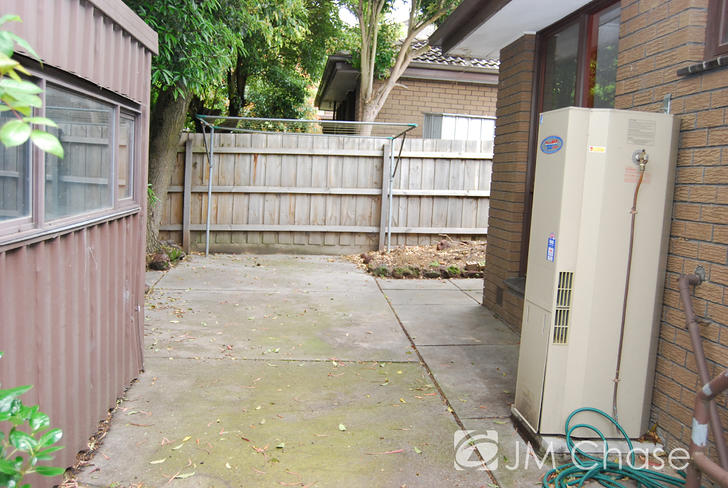 587a532281698c2ba77cd582 2725 back of house 1560024066 primary