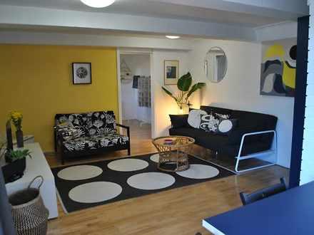 Apartment - 12 Palomar Para...