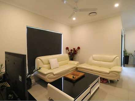 House - ROOM 2/12 Arrosa St...