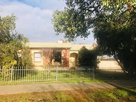 House - 31 Whiteparish Road...