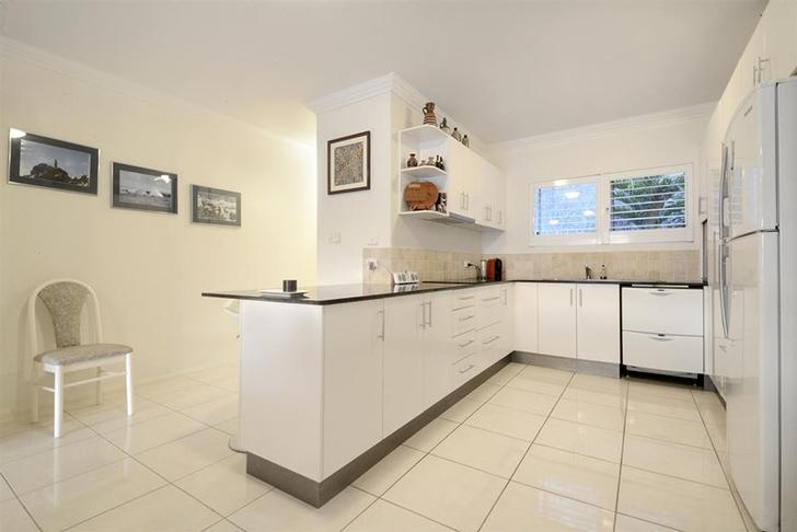 1082bcc244f89574cffd7f4d 5807 kitchen 1561436846 primary