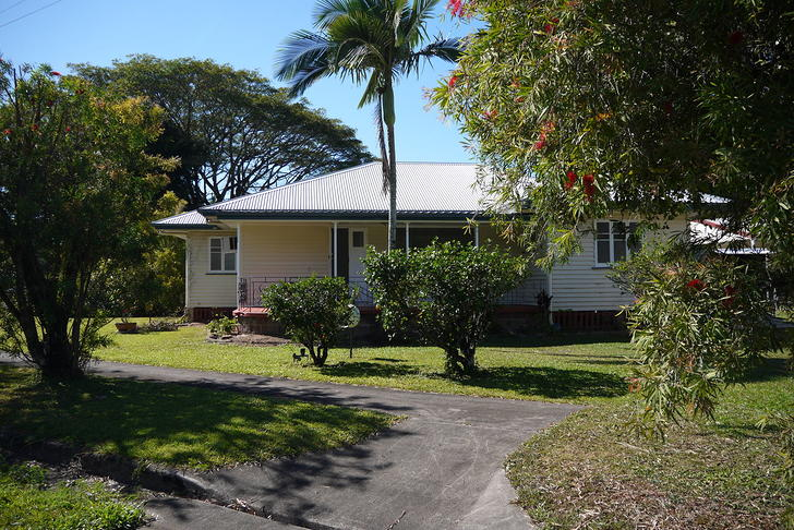 House - 39 Riverstone Road,...