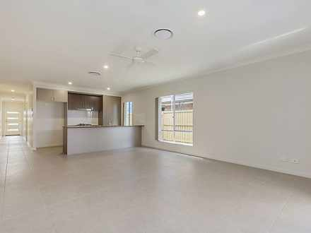 61 Lakeview Promenade, Newport 4020, QLD House Photo