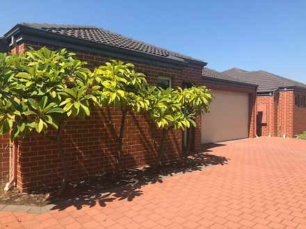 House - 2/15 Mathoura Stree...