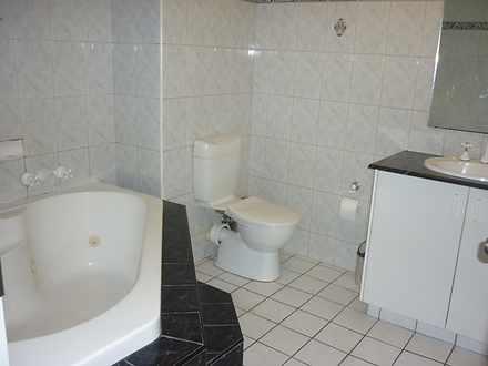 25bfc41a7b808d90e1537e5a 1407995381 21813 bathroom 1562741596 thumbnail