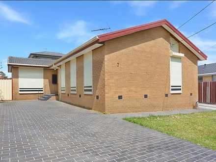 House - 7 Marcus Crescent, ...