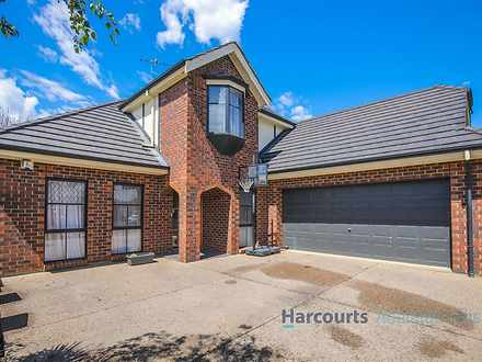 House - 6 Barton Circuit, M...