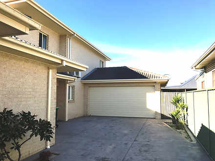 Townhouse - 2/1 William Ave...