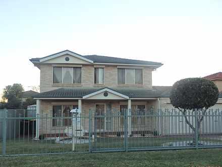 House - 5 Chestnut Crescent...