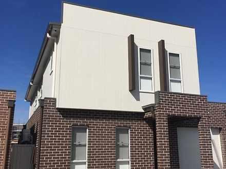 House - 84A Glenmore Ridge ...