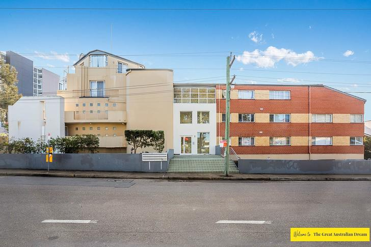 Apartment - 11/1 Lloyds Ave...