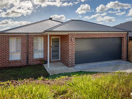 House - 11 Chaucer Way, Dro...