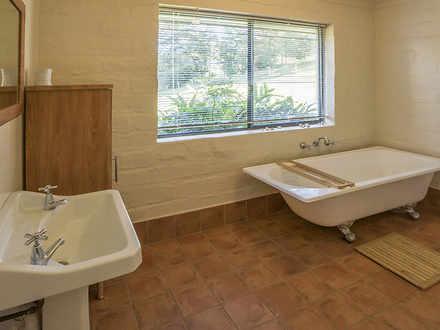 096243d2052f6b0da8e3df63 24943 bathroom 1563585154 thumbnail