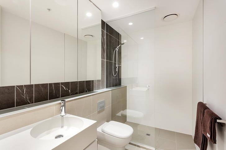 E15 bathroom 1563797816 primary