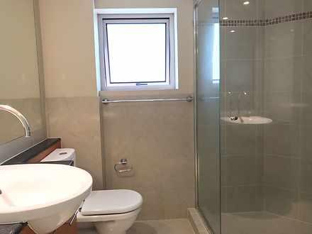 704   2nd bathroom 1564978349 thumbnail