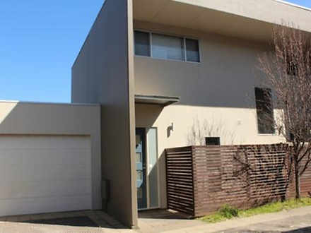 Townhouse - 5/201-203 Holbr...