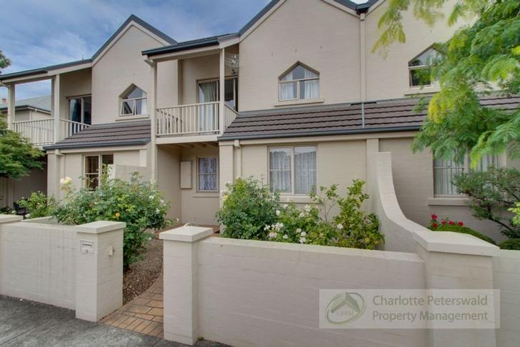 Townhouse - 2/4 Stowell Ave...