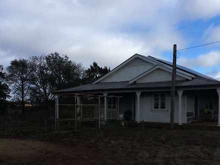 House - 1067 Newell Highway...
