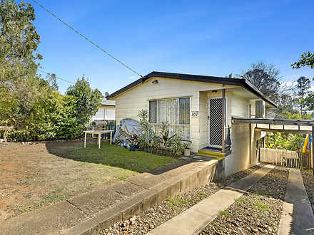 House - 107 Brisbane Terrac...
