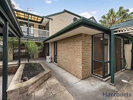 Townhouse - 3/242 Gilles St...