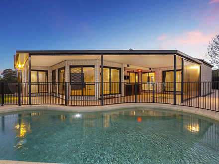House - 7 Greenlands Drive,...