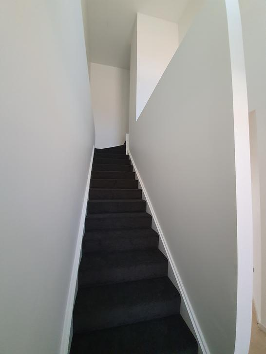 Stairs up 1566621056 primary