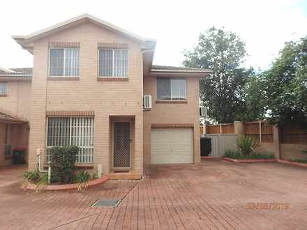 Townhouse - 13/12 Pine Road...