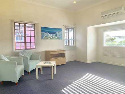 Unit - 2/680 Wynnum Road, M...